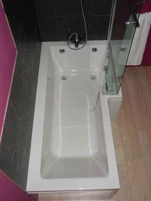 The Savanna Walk In Shower Bath From Essential Bathing Ltd
